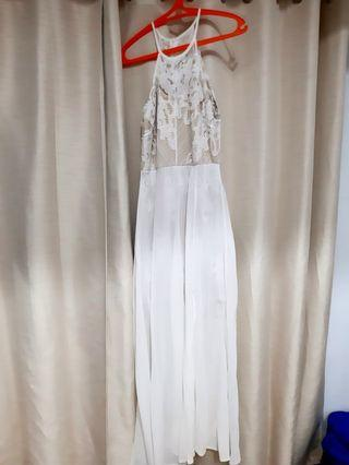 Long White Dress / Dress Putih Panjang Chocochips