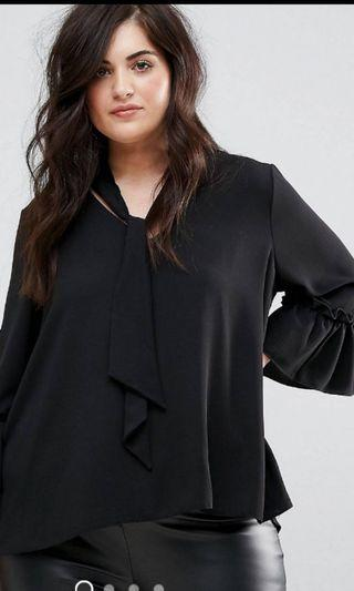 🚚 Plus Size Blouse with the neck detail uk 20