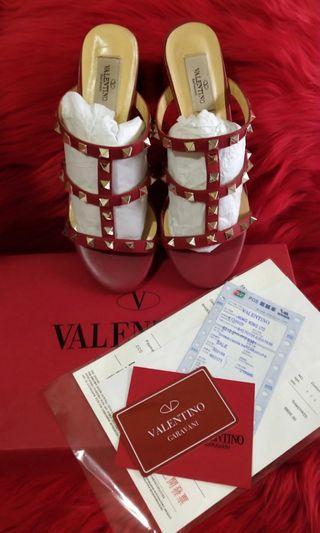 Sandal hak tahu valentino