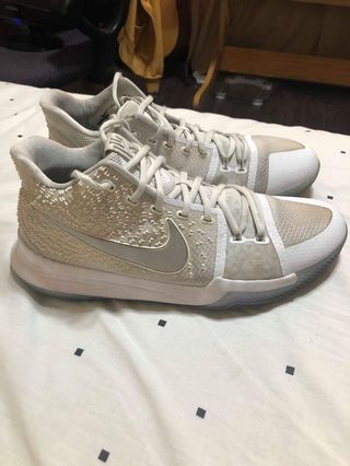 quality design d9861 190e4 kyrie 3 size 9   Men s Fashion   Carousell Philippines