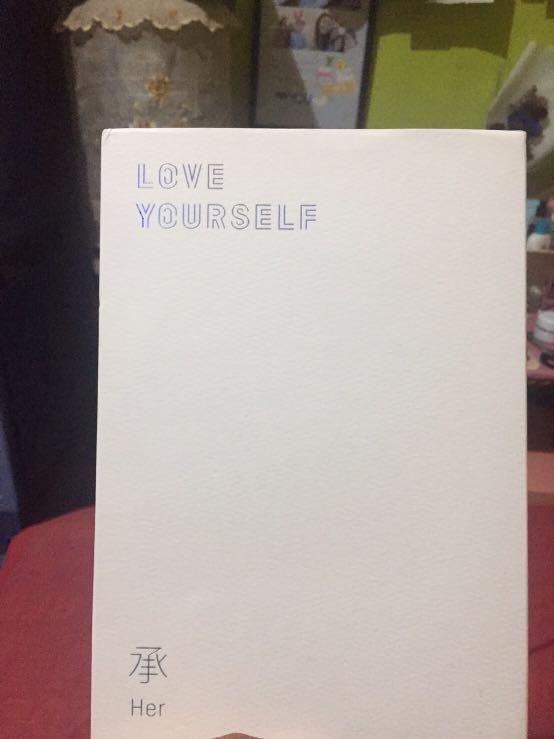 "Album BTS ""Love Yourself Her L version"""