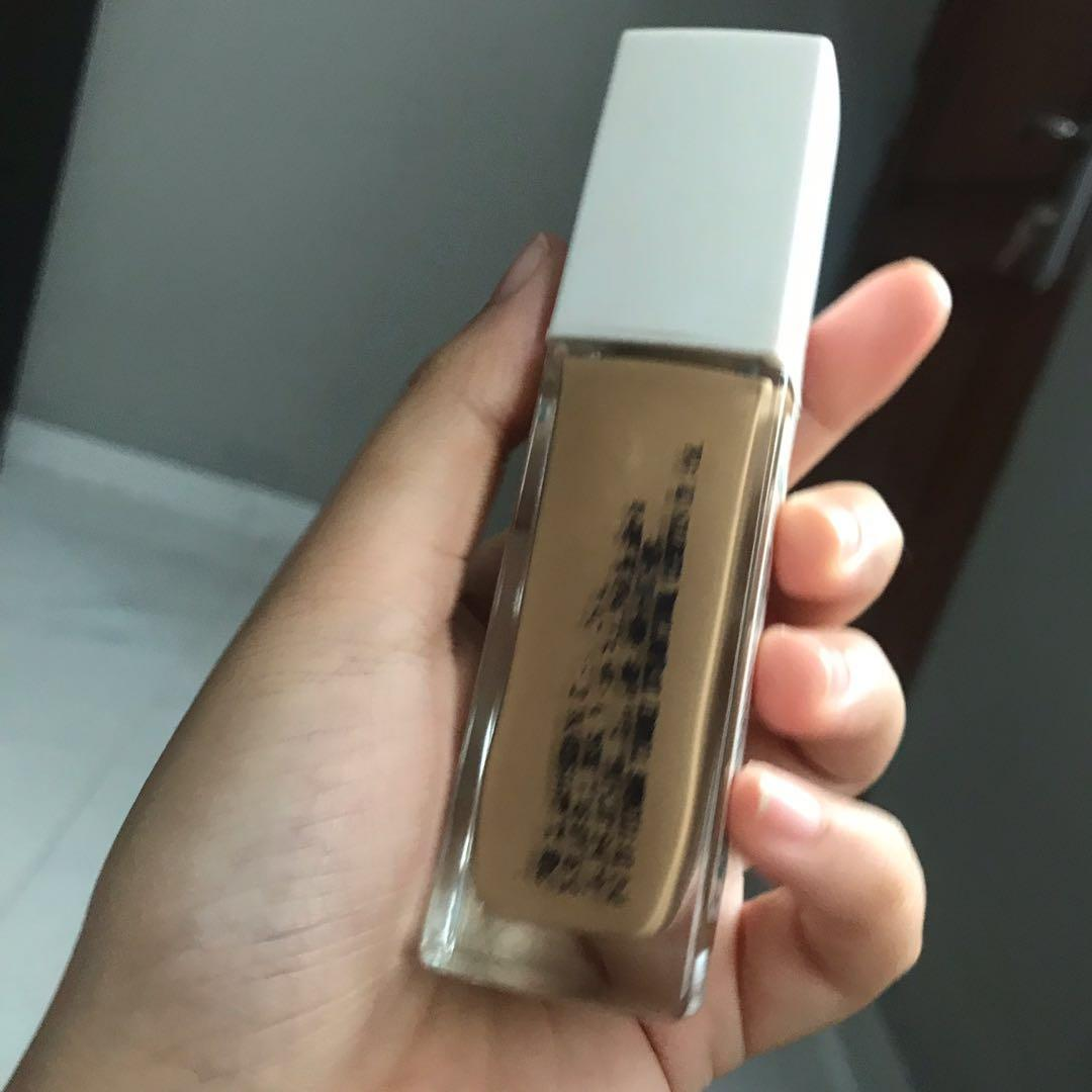 Foundation Maybelline superstay no 220 used , masih 85%