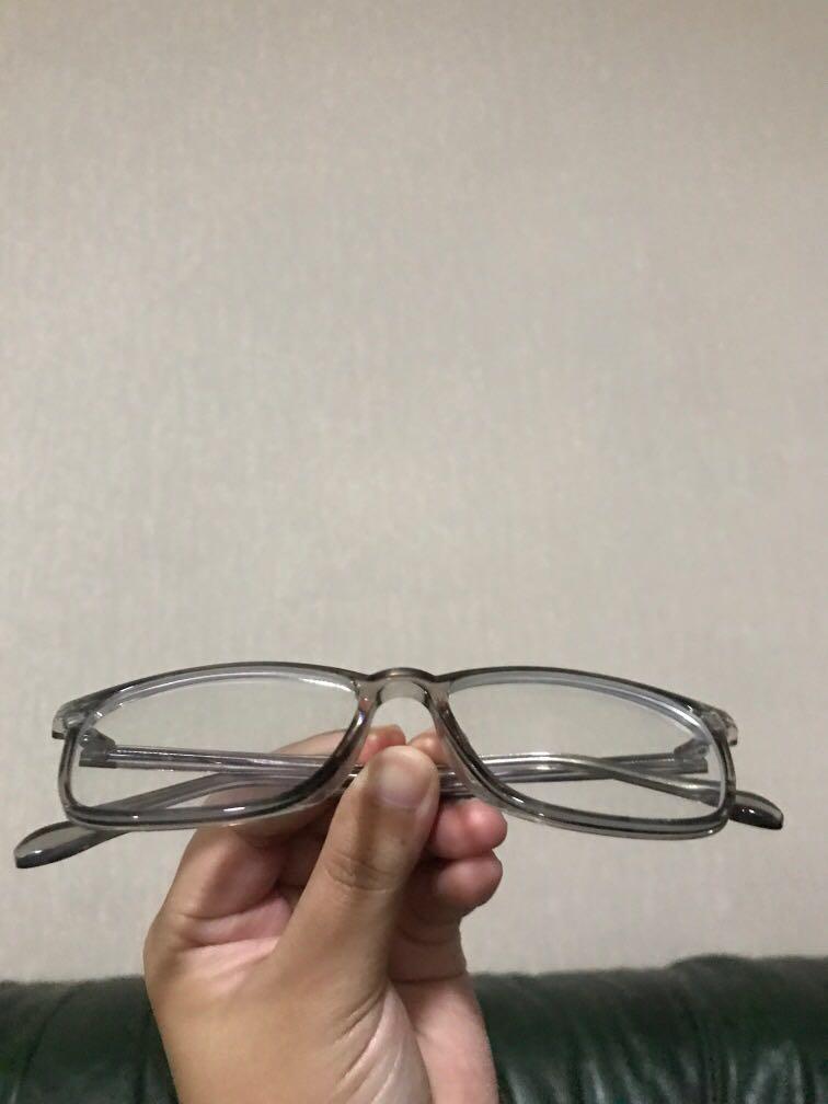 Kacamata transparent grey kekinian