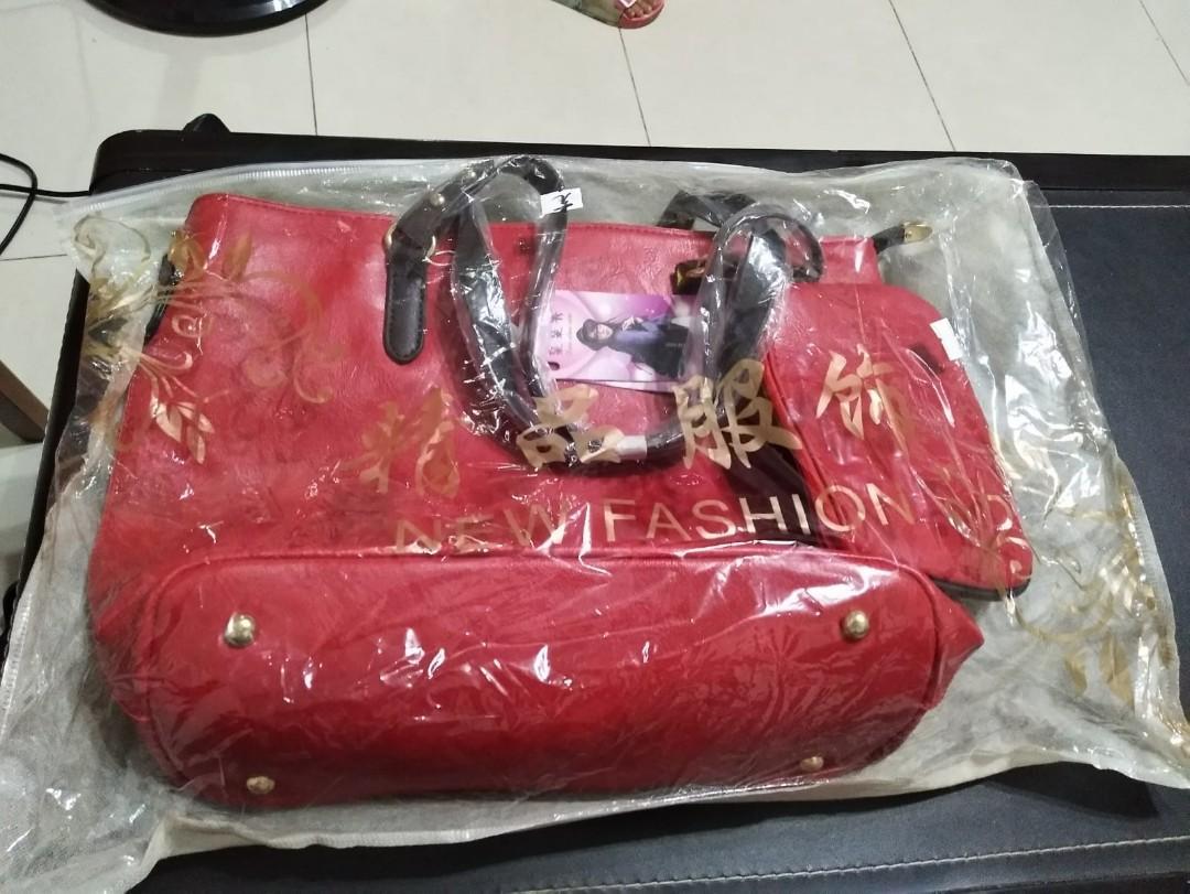 Ladies' Red Handbag #newbieApr19