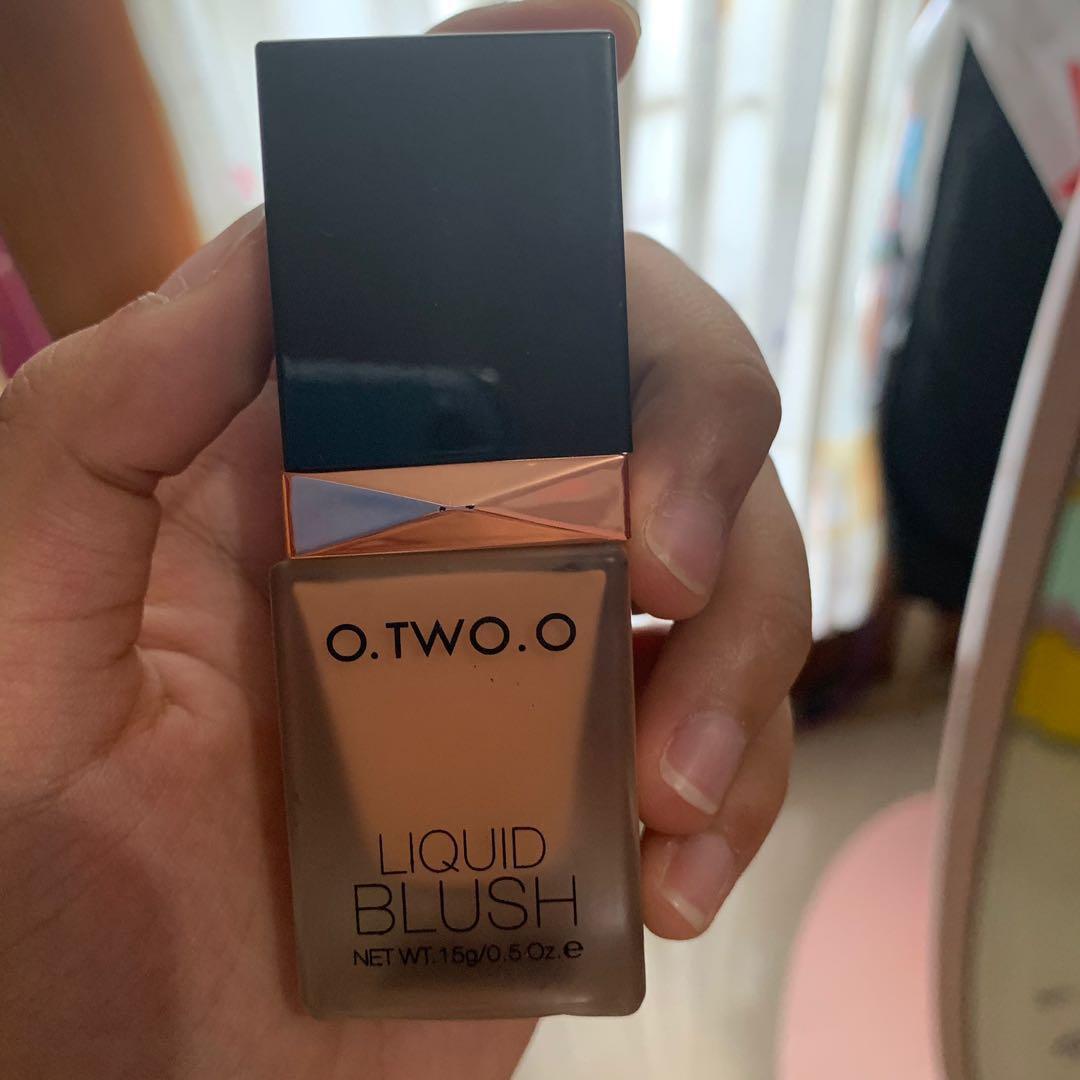 Liquid blush o twoo o