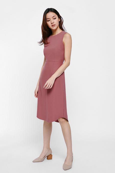 effca4c5be65b Love Bonito Phoebe Midi Dress, Women's Fashion, Clothes, Dresses ...