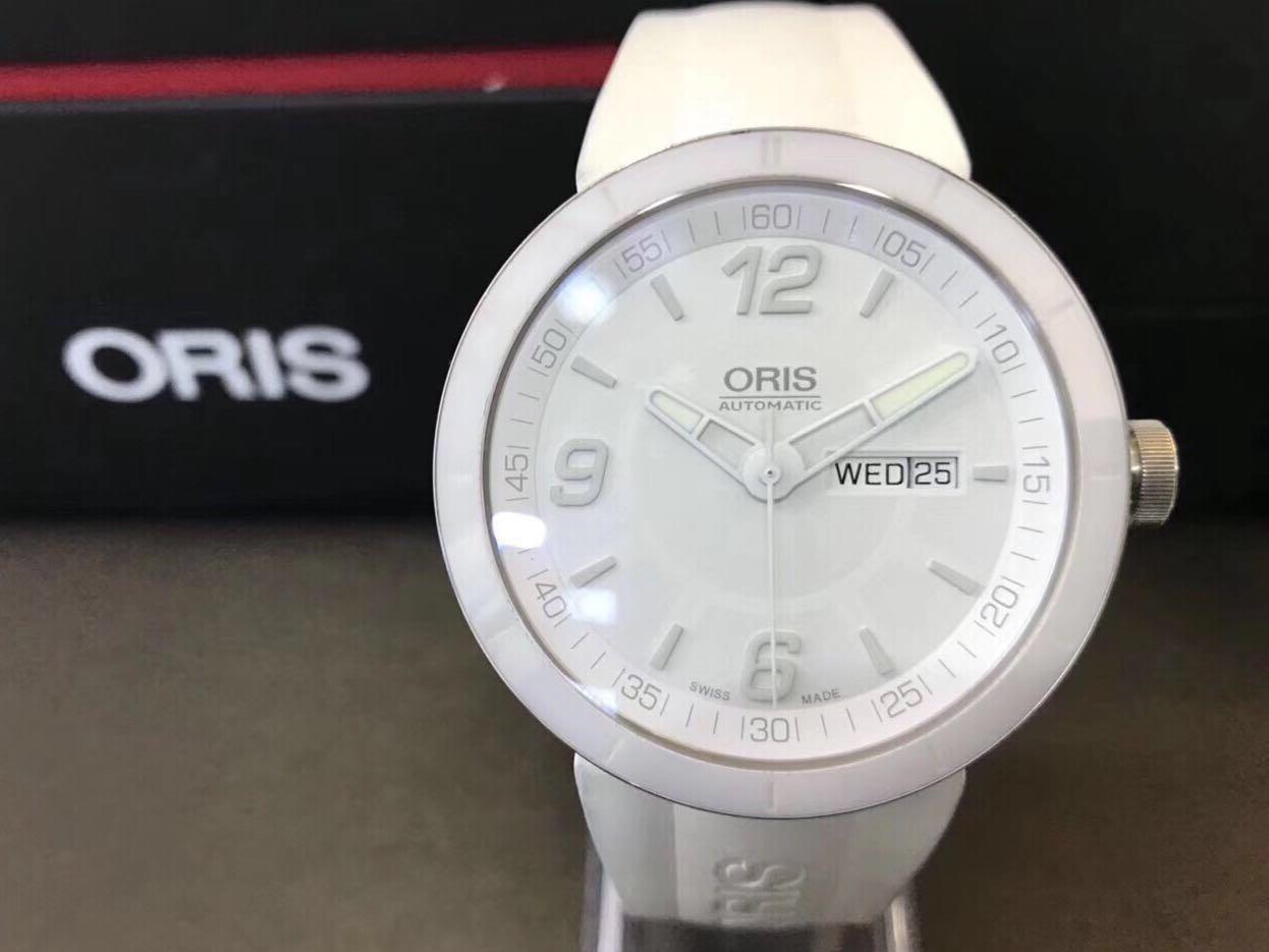 Oris TT1 day date 43mm Snow White limited edition  omega Rolex oris sevenfriday ball luminox panerai