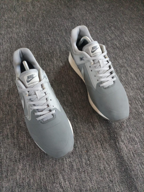Sale Nike Air Pegasus 89 size 10, Men's