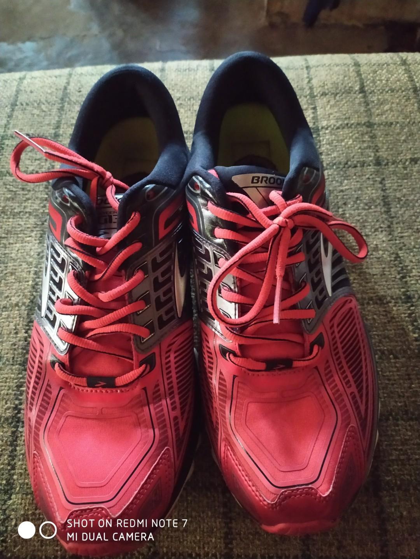 Sepatu brooks glycerin 13