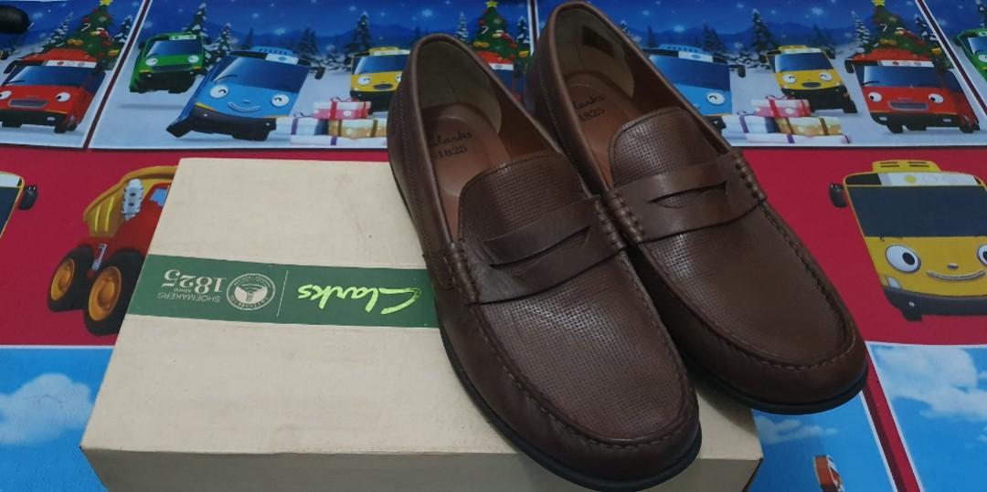 Sepatu Pria Clarks