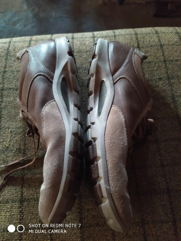 Sepatu pria Rockport