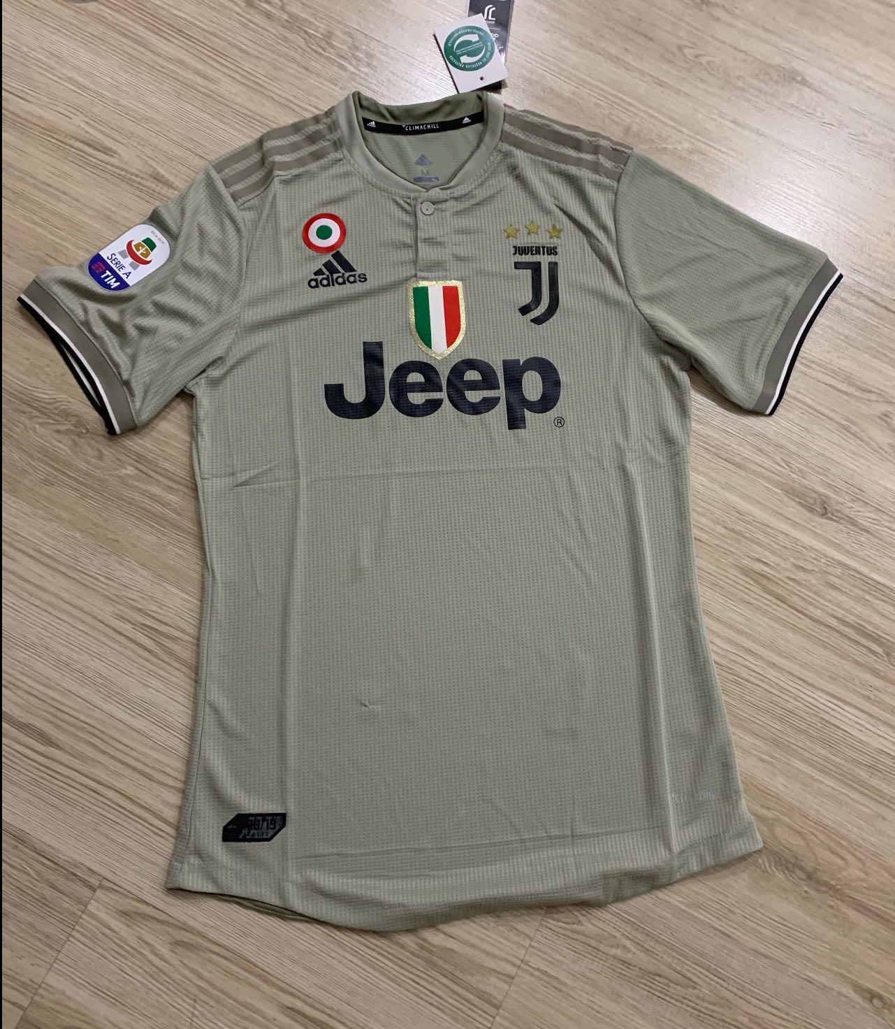outlet store d2c19 6c448 Size M Juventus jersey instock , Juventus away kit 18/19 ...