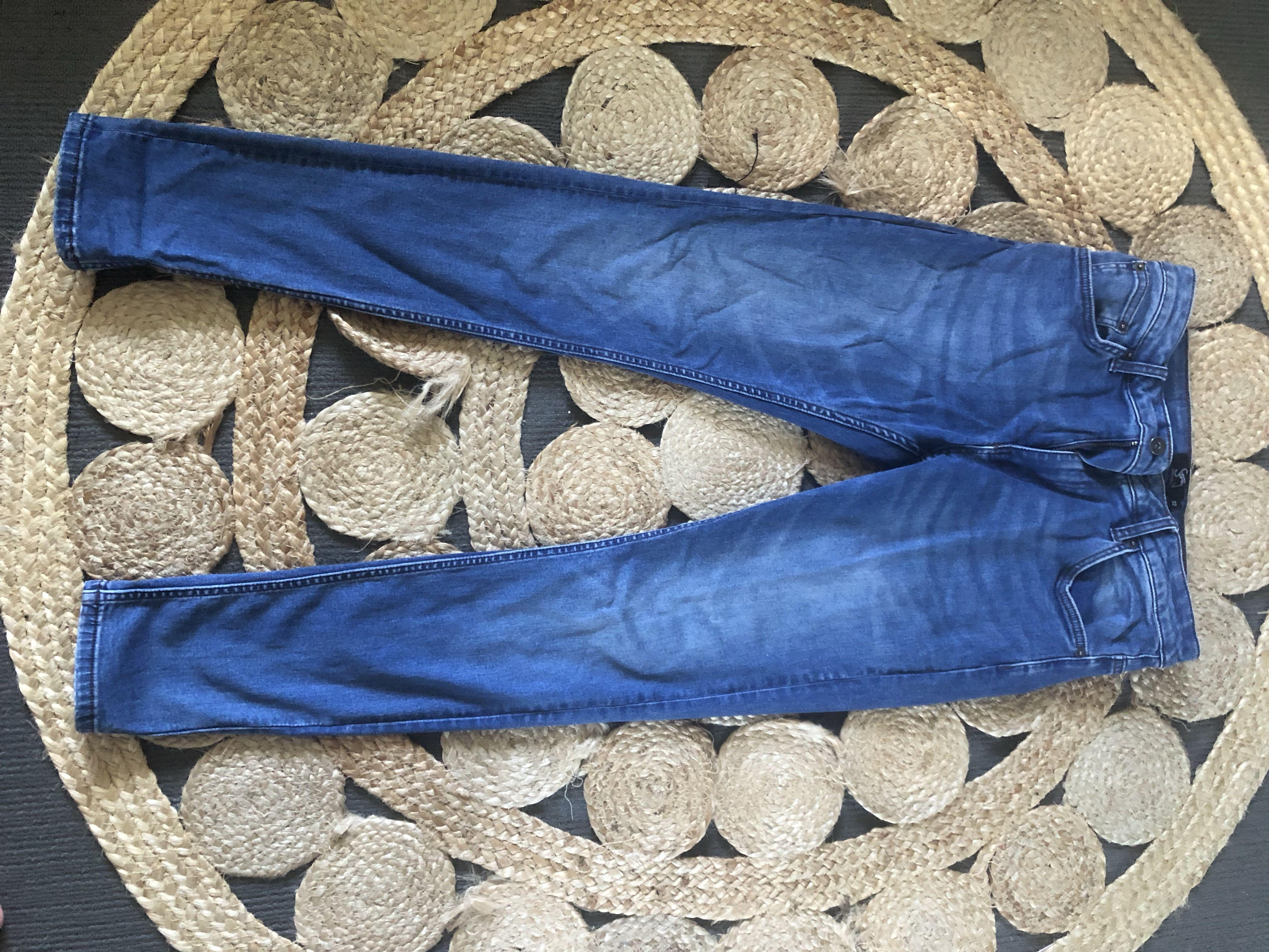 'Stray' jeans