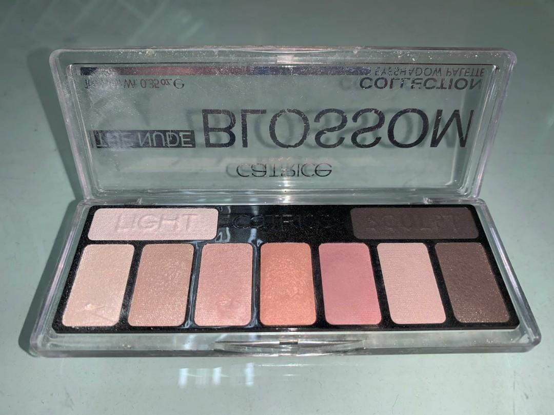 The Nude Blossom Collection Eyeshadow Palette 010 Blossom N Roses