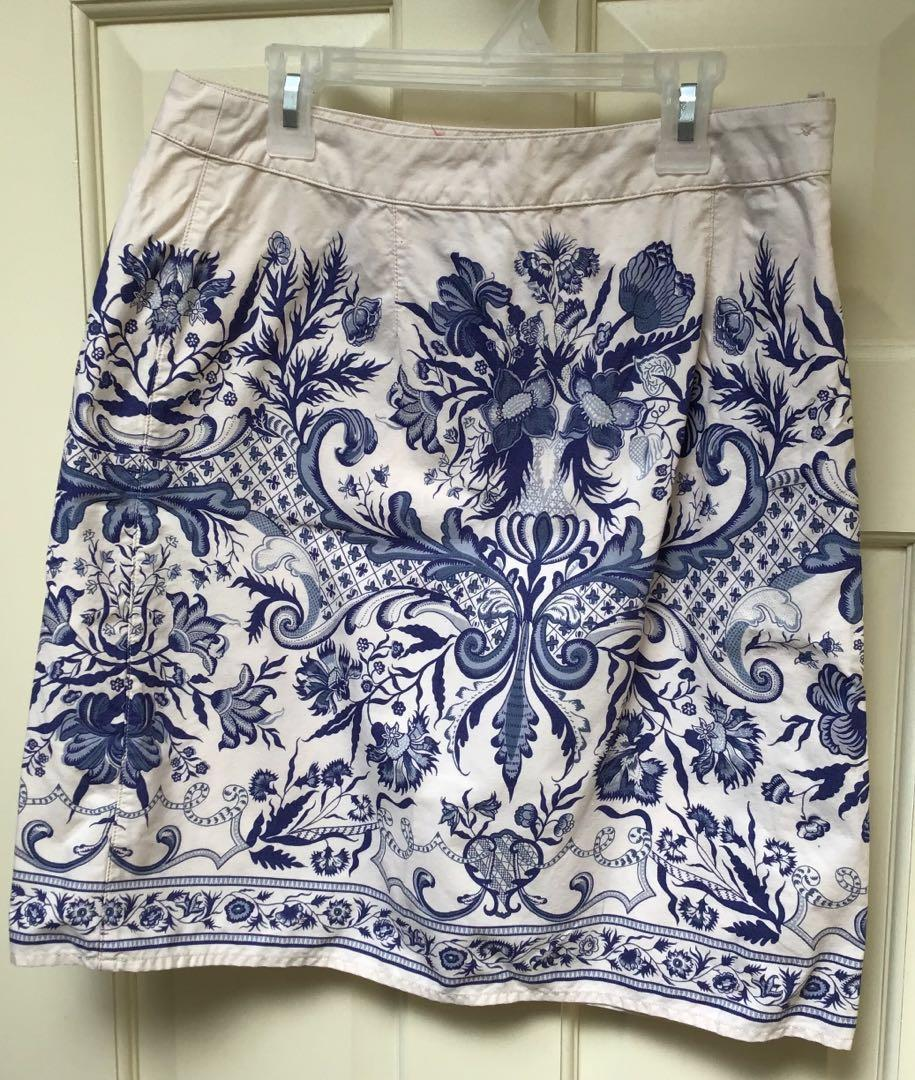 Women's 100% cotton blue/cream floral/toile skirt size 6
