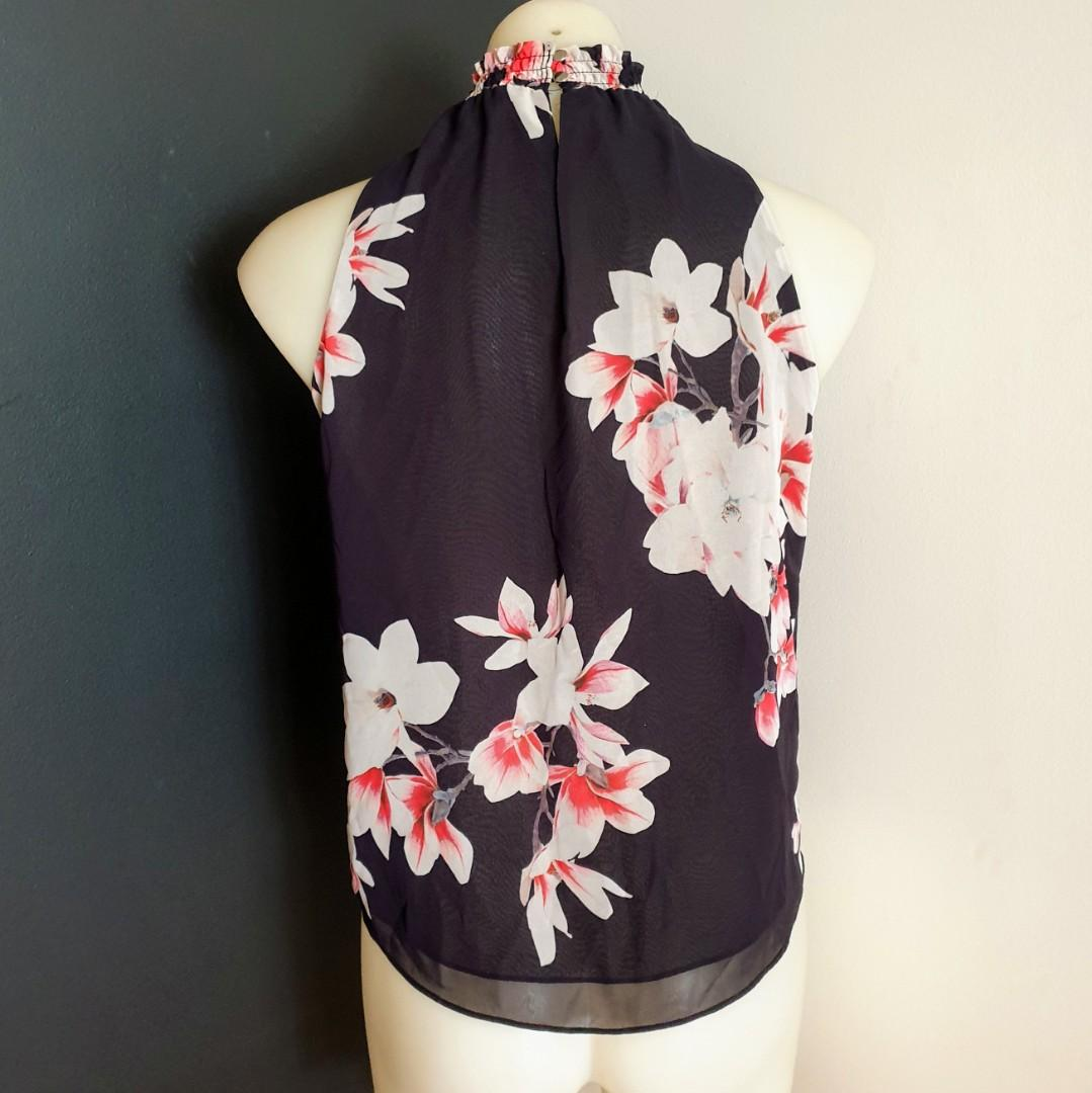 Women's size 6 'PORTMANS' Stunning  high neck floral print blouse top - AS NEW
