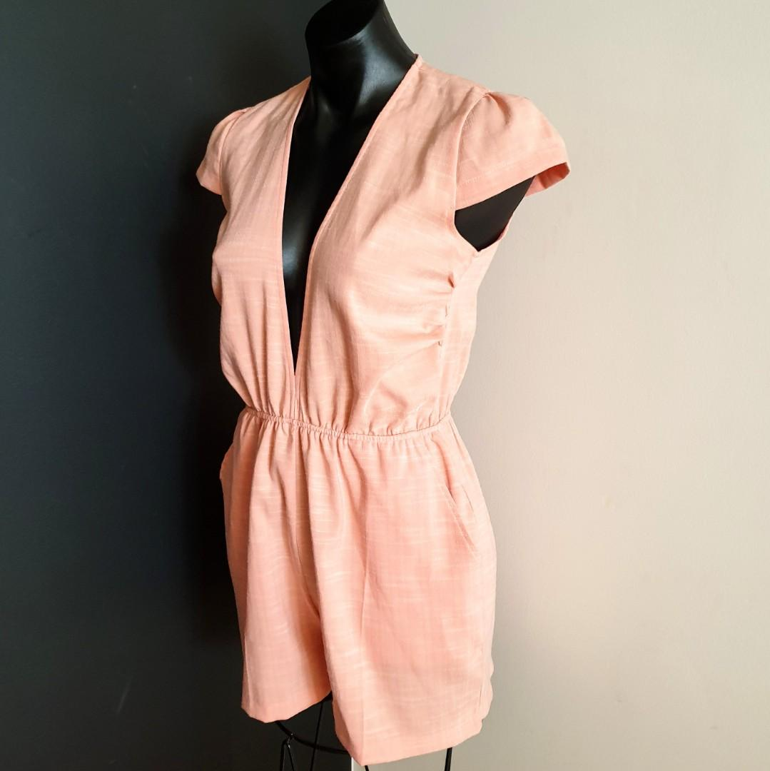 Women's size 8 'MOSSMAN' Stunning pastel orange plunge neckline romper playsuit- AS NEW