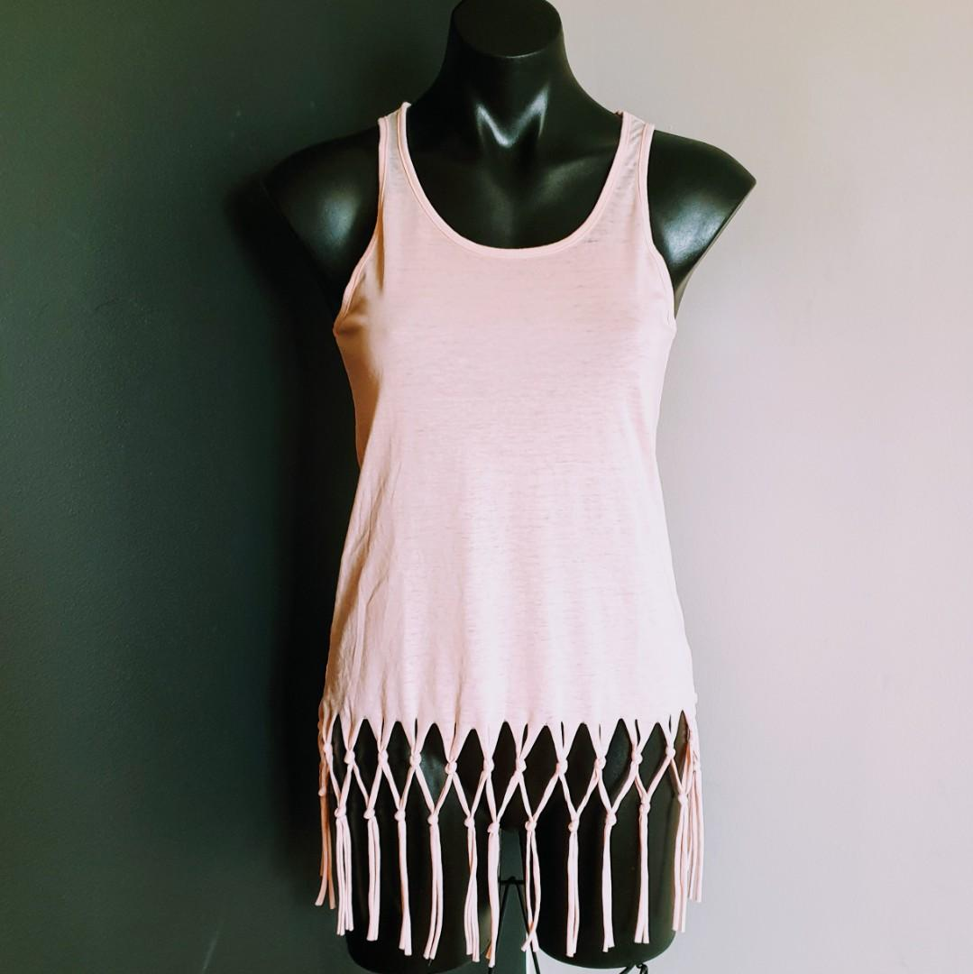 Women's size 8 'PIPING HOT' Gorgeous blush tassel top - BNWT
