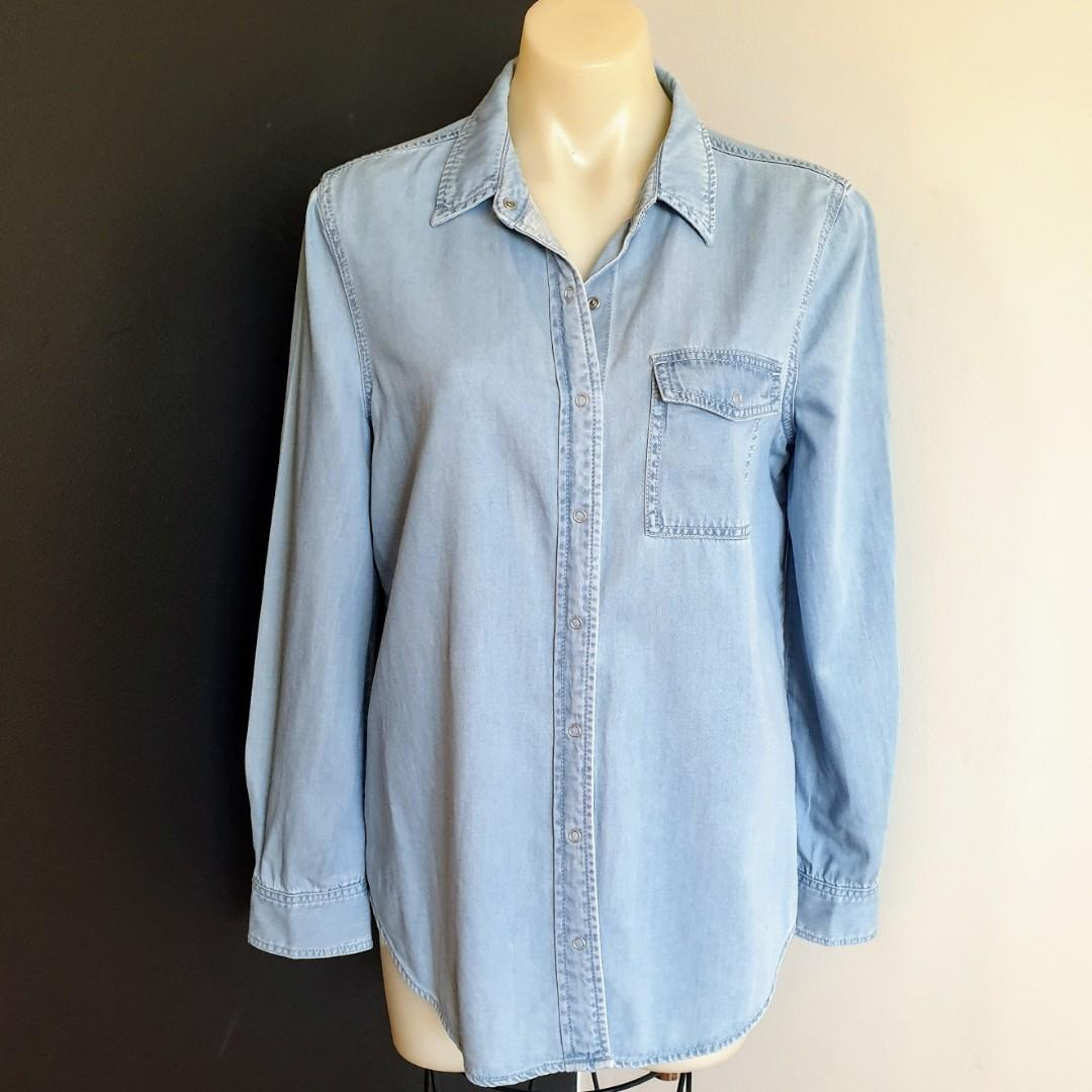 Women's size 8 'WITCHERY' Gorgeous washed out denim long sleeved shirt- AS NEW