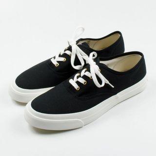 Maison Kitsune Classic Canvas Sneakers Black