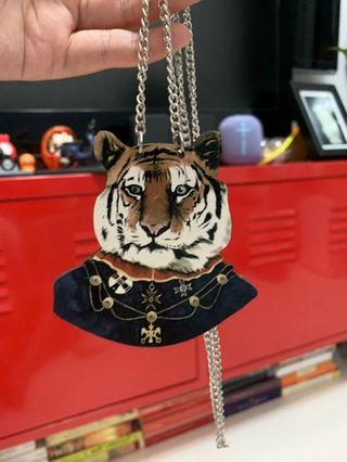 🚚 Free Tiger Lion Wooden Necklace