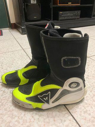 🚚 Dainese 頂級防摔內靴