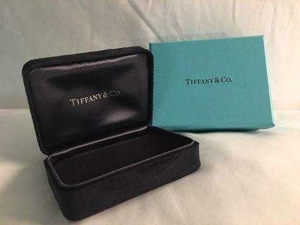 * NEW TIFFANY & Co Ear Rings Box (Black)