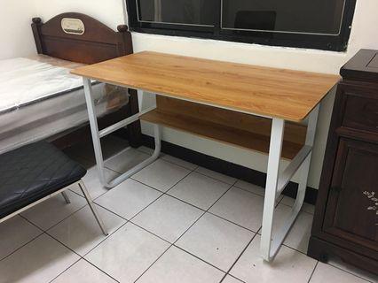 🚚 電腦書桌