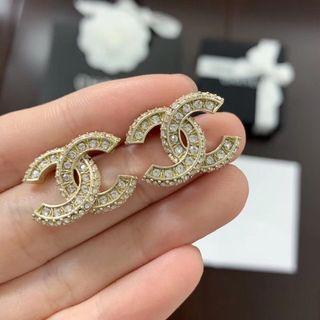 Chanel雙C方型水鑽耳環