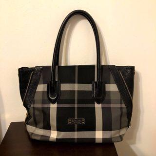 [BURBERRY] Classic Black And White Monochrome Handbag