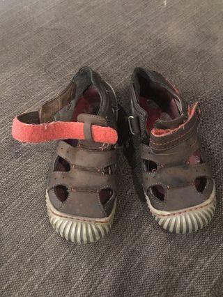 Clark sandal