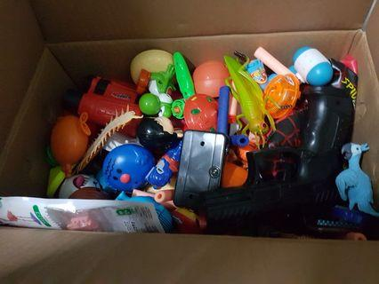🚚 Box of toys