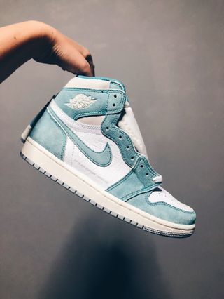 31e242459a3cd Nike Air Jordan 1 Retro High OG Turbo Green