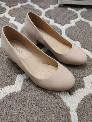 Nude / Light Pink Block Heels