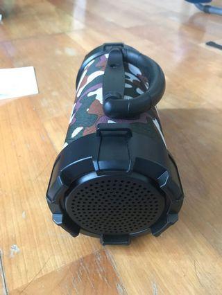 手提藍芽喇叭含LED功能