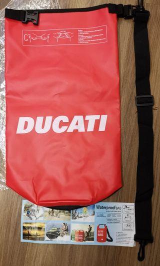 🚚 Ducqti waterproof pouch