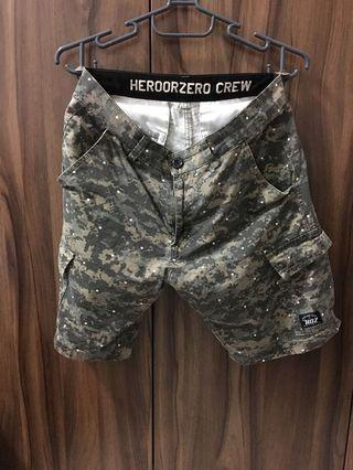 Hero 迷彩短褲