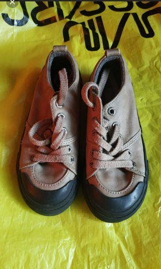 Zara kids shoes size 26
