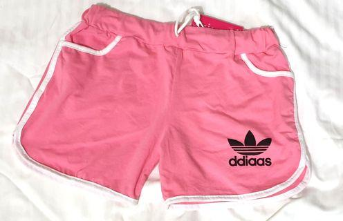 🚚 Adidas Shorts in pink