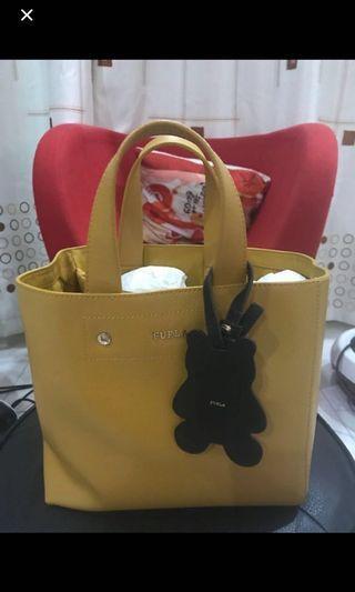 🚚 FURLA bag (Look new)