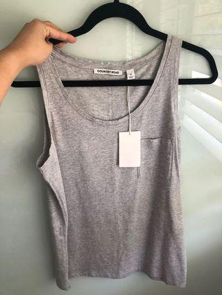 BNWT COUNTRY ROAD SINGLET