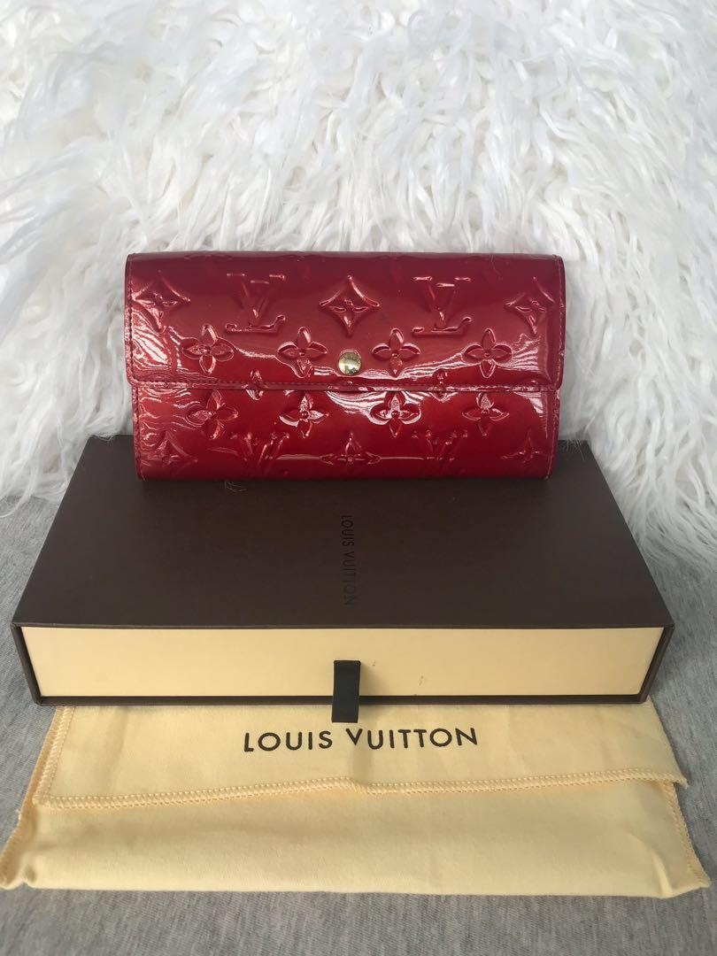 100% Authentic Louis Vuitton Sarah Wallet Monogram Vernis