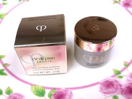 CPB Cle de Peau Beaute Protective Fortifying Cream 5ml