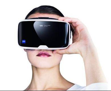Carl Zeiss VR One Plus headset