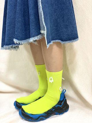 🚚 螢光針珠襪運動襪
