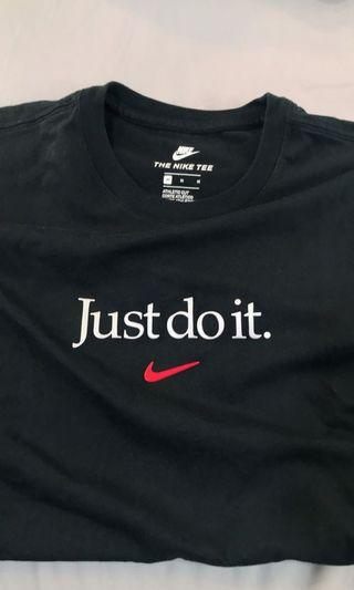 🚚 Nike just do it 短tee M號 9成新