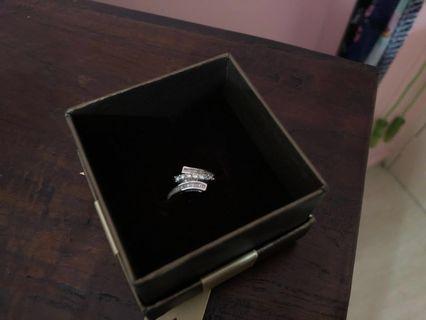 🚚 18K Diamond Ring