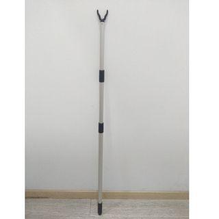 Hanger Retriever Pole