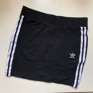 🚚 Adidas 迷你裙 XS
