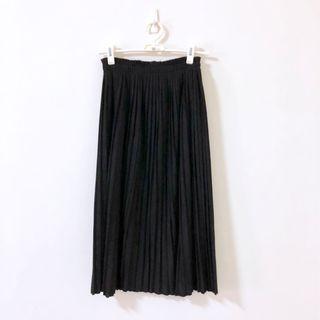 🚚 不議價全新黑色麂皮百摺裙